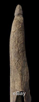 Ancien tambour à fente, old slit gong drum, oceanic tribal art, papua new guinea