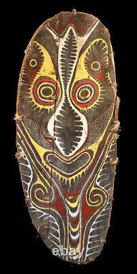 Bouclier cérémoniel Kwoma, ceremonial shield, oceanic art, papua new guinea