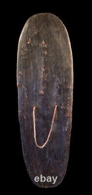 Bouclier des highlands, war shield, oceanic art, papua new guinea
