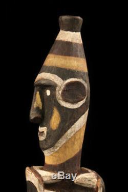 Gogodala figure, western province, oceanic art, papua new guinea, carving