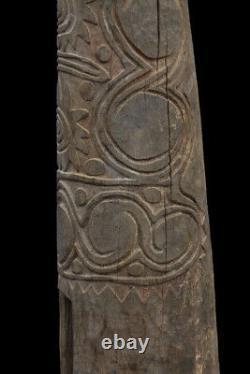 Grand tambour à fente, huge slit gong drum, oceanic tribal art, papua new guinea