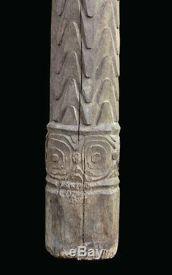 House post, carved totem, poteau de case, oceanic art, papua new guinea