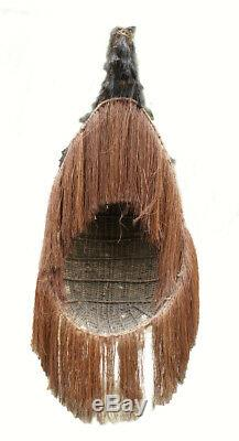 Imposant costume de danse, huge dancing costume, papua new guinea
