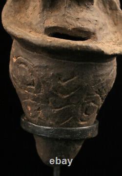 Kwoma clay figure, ceramic, poterie, oceanic art, papua new guinea