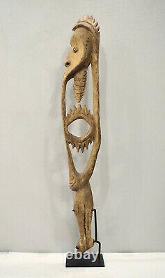 Papua New Guinea Hook Figure One Leg Yipwon Villiage Black Water Lakes