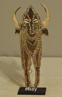 Papua New Guinea Karahut Dancing Mouthpiece Abelam Boars Tusk Nassa Shell