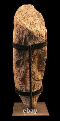 Pierre votive, votive stone, oceanic art, papua new guinea