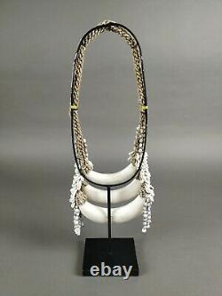 Shell necklace with fossil madrepora Papua New-Guinea