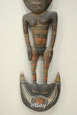 Statue Papua New Guinea Food Hook Statue