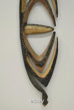 Statue Papua New Guinea Hook Water Spirit Figure
