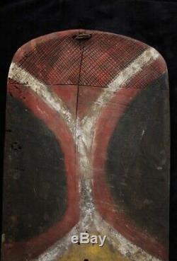 Striking Old War Shield Papua New Guinea 1970's
